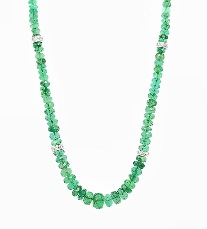 Emerald beaded necklace with white gold beads