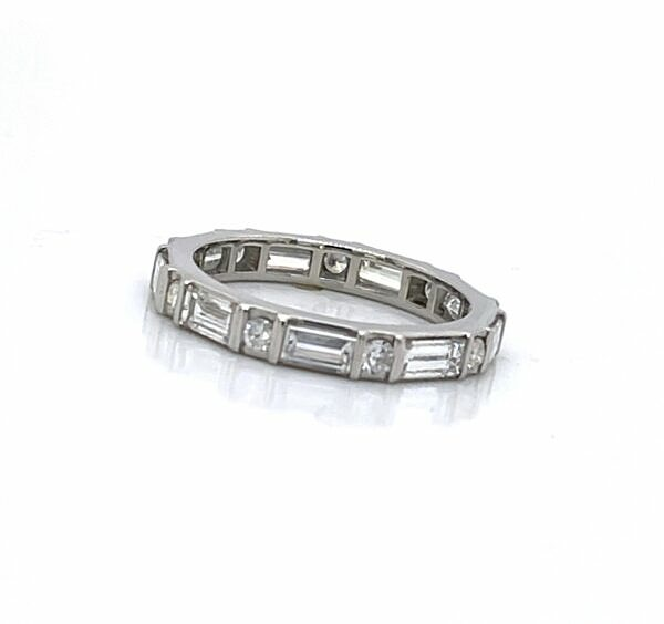 Baguette and round wedding band